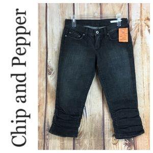 💸NWT Chip & Pepper Olive U2 crop jean size 26